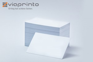 Noch weiß und bereit für Farbe und Kontaktdaten: Visitenkarten